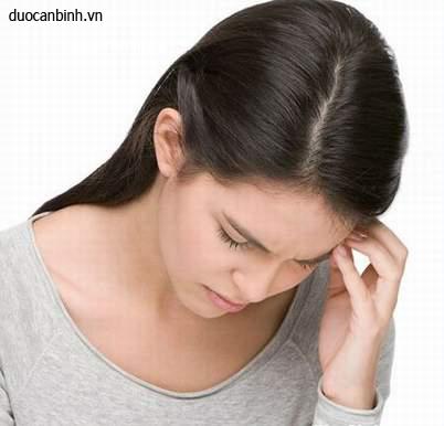 Đau đầu, chóng mặt, buồn nôn là triệu chứng của bệnh gì?