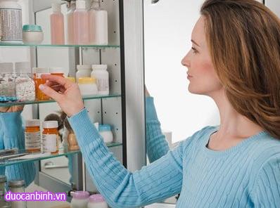 Những dụng cụ sơ cứu và loại thuốc cần có trong tủ thuốc gia đình