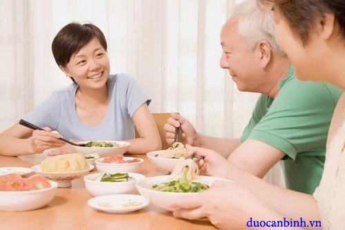 Người cao tuổi bị rối loạn tiêu hóa